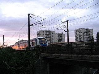 320px-Champigny-sur-Marne_-_Ligne_Paris-Mulhouse_-_RER_E