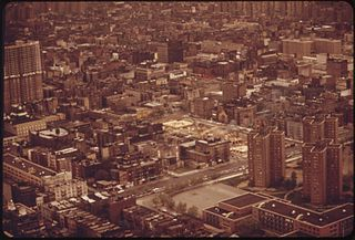 AERIAL_VIEW_OF_LOWER_BRONX_-_NARA_-_548424