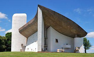 """Fasciste Le Corbusier ? Humaniste ? Ou spiritualiste ? Dans tous les cas la mystique n'est pas étrangère à l""""esprit nouveau""""."""