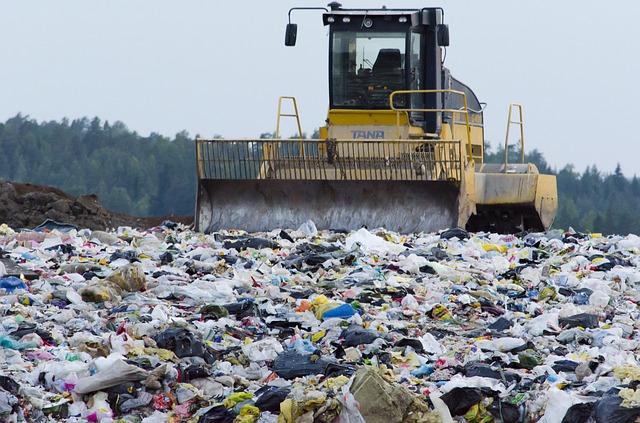 landfill-879437_640